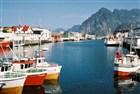 Lofoty - Henningsver, nejhezčí rybářská vesnička na Lofotec