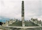 Norsko - Vigelandův 17 m žulový monument ve Frognerova park