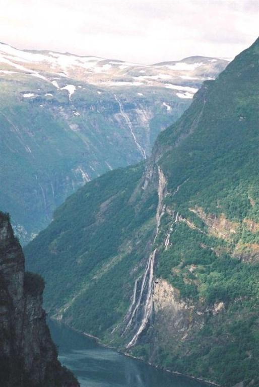 Vodopád Sedmsester nad VGeirangerfjordem