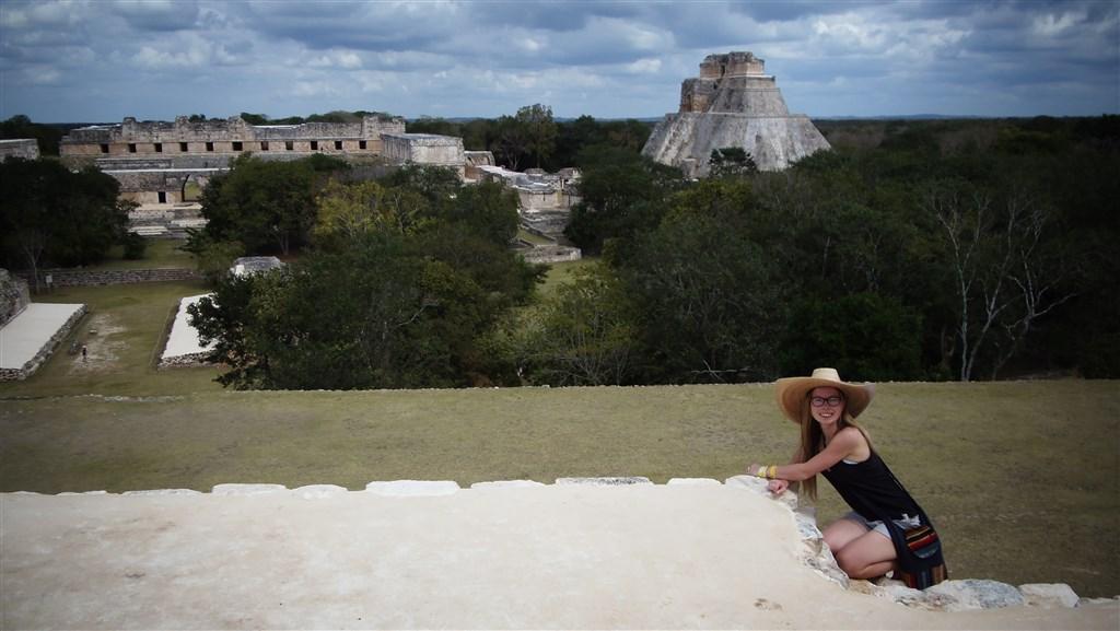 Uxmal - Pyramida kouzelníka - Mexiko