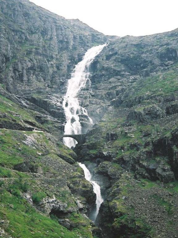 Vodopád Stigfos na Cestě Trolů