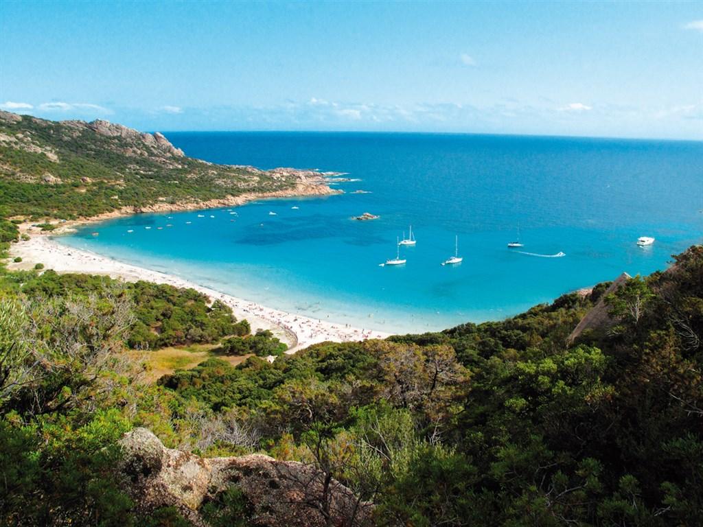 Korika, bílé pláže zátoky Rocapina