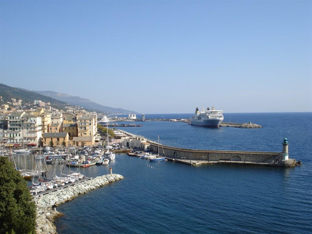 Korsika, přístav Bastie