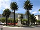 Korsika - Bastie, pomník Napoleona v netradičním římském rouchu