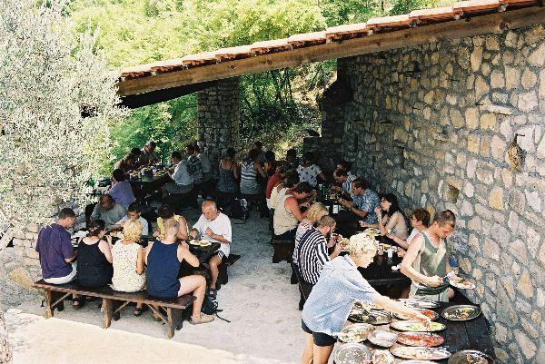 Piknik při lodním výletu na Skadarské jezero