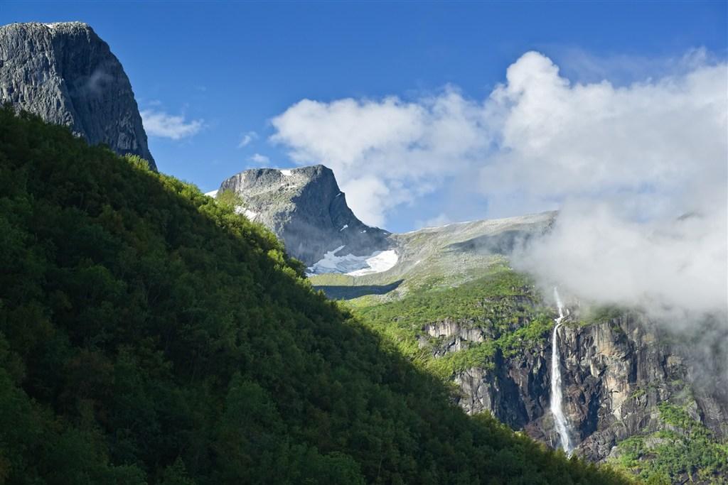 údolí Briksdals - národní park Jostedal
