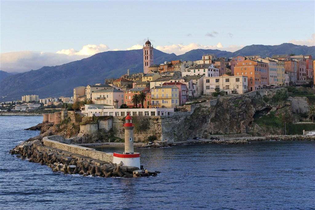 Bastia - vstupní brána na Korsiku