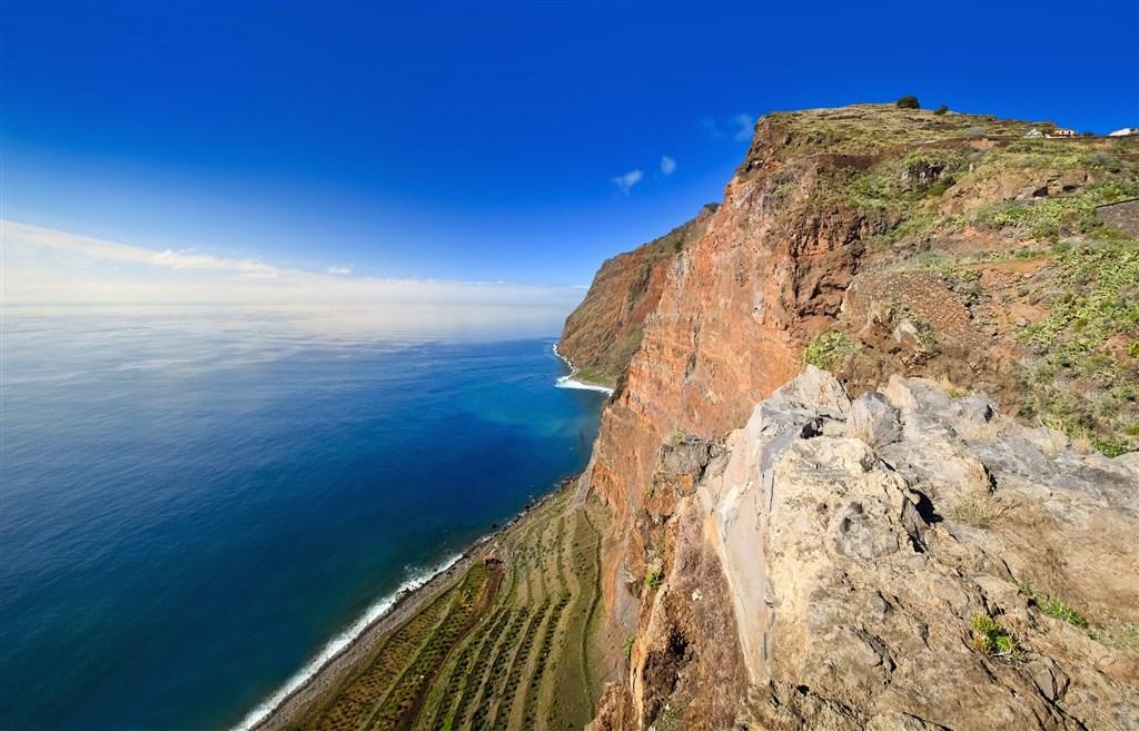Madeira - jedna z nejzámějších vyhlídek, útesy Cabo Girao