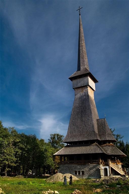 Rumunsko - kostel v Sapintě