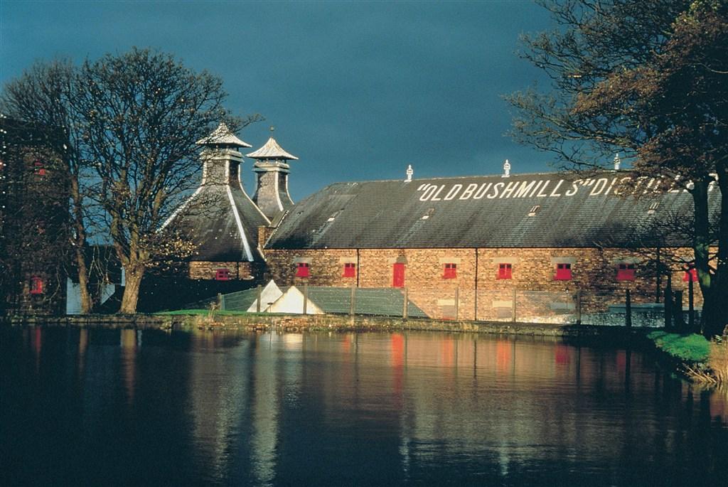 Irsko - palirna irské whiskey