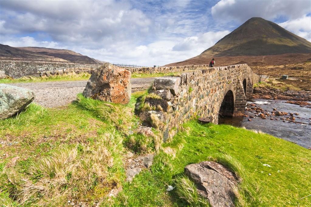 Skotsko - Vnější Hebridy - ostrov Isle Of Skye