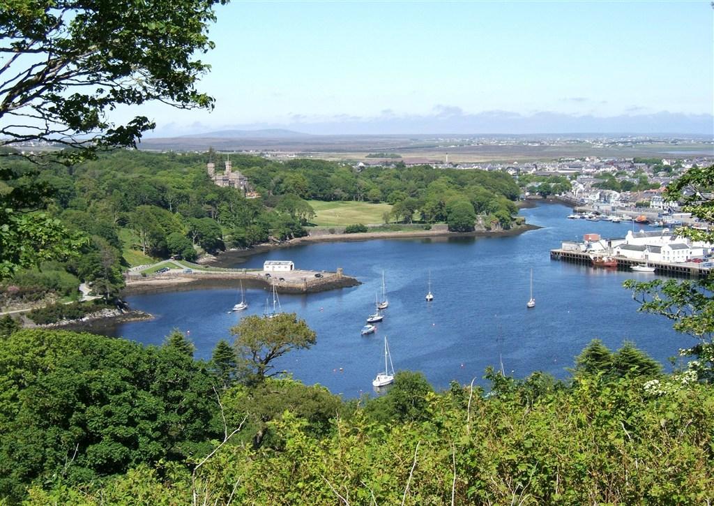 Skotsko - Vnější Hebridy - ostrov Lewis - přístav Stornoway