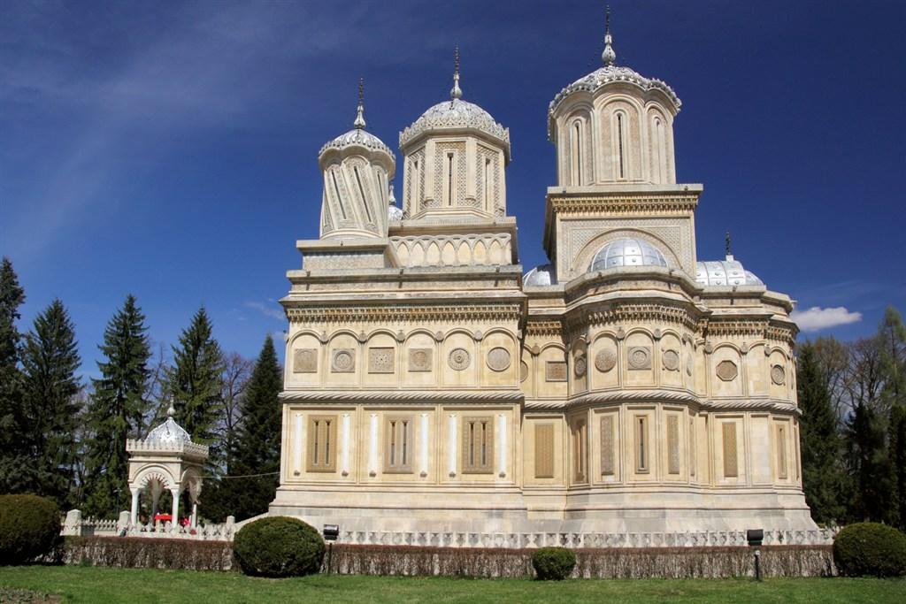 Rumunsko - katedrála CURTEA DE ARGEŞ