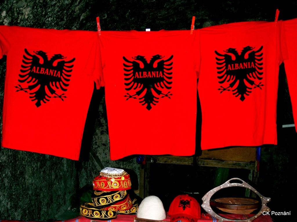 Albánie - suvenýry z dovolené - Kruje