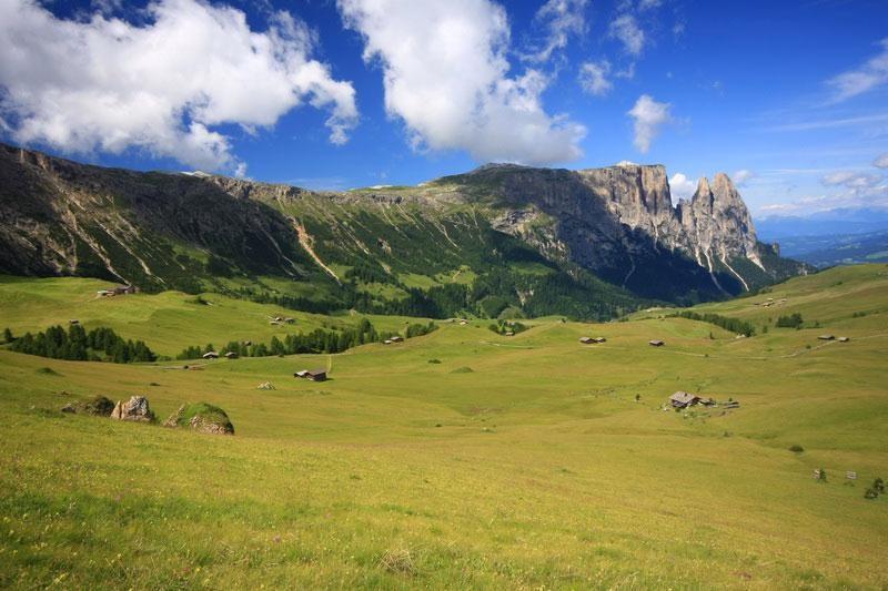 Dolomity-Seiser-Alm-Compatch-Schlern