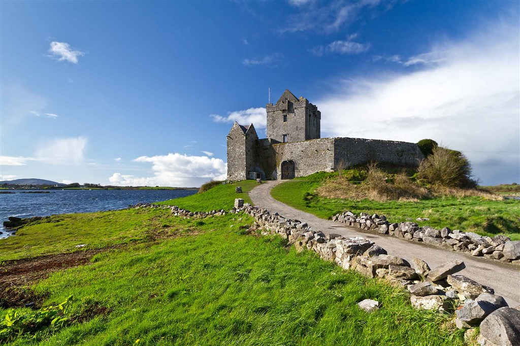 Irsko - Dunguaire Castle