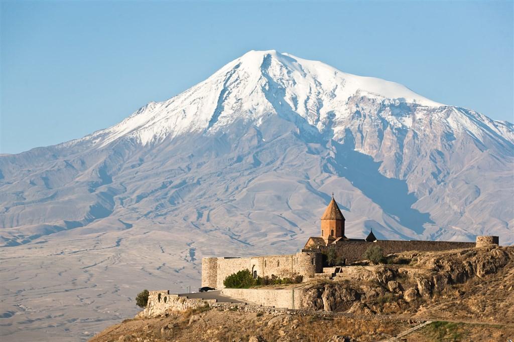 klášter CHOR VIRAP - Arménie