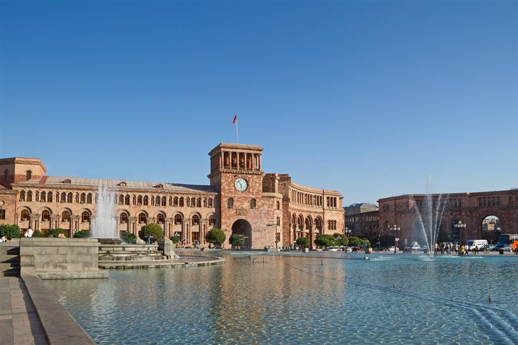 centrální náměstí v Jerevanu - Arménie