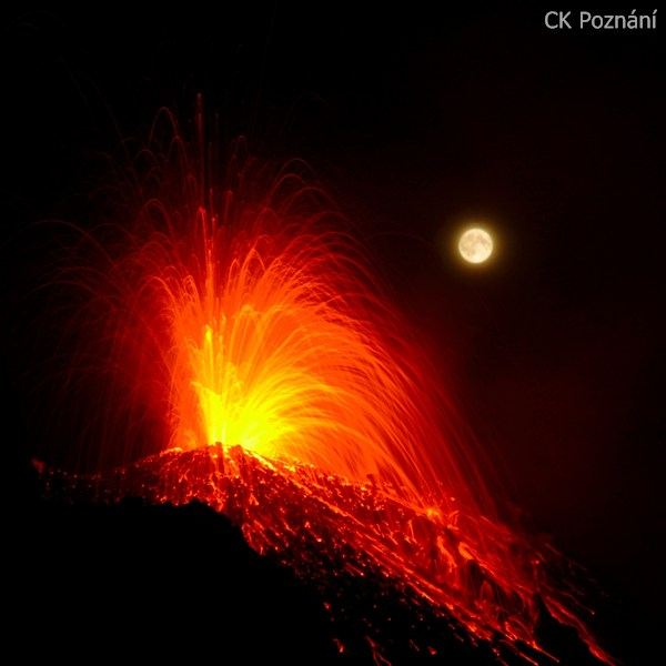 Liparsk ostrovy - Erupce Stromboli