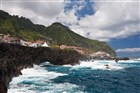 Madeira - Porto Moniz - pohled od oceánu
